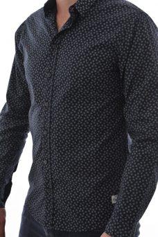 Черна риза със ситен десен Blend