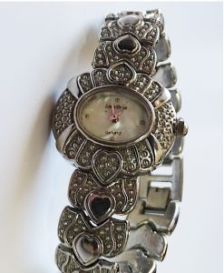Часовник Louis Delon